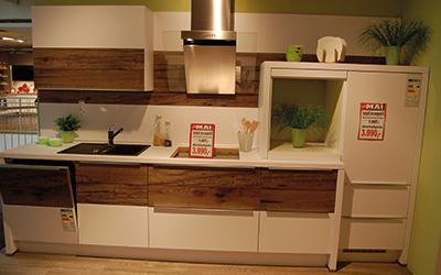 k chen abverkauf m bel mai. Black Bedroom Furniture Sets. Home Design Ideas